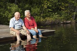 old-couple-at-lake